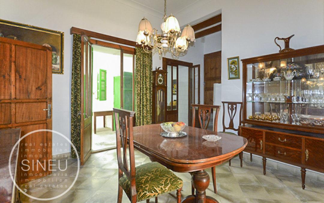 Ariany – casa de pueblo para reforma parcial con jardín y amplio garaje